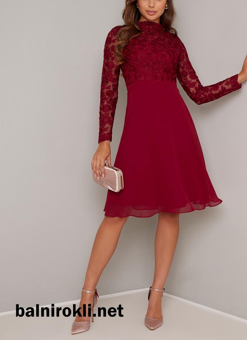 коктейлна тъмночервена роклясредна дължина с ръкави