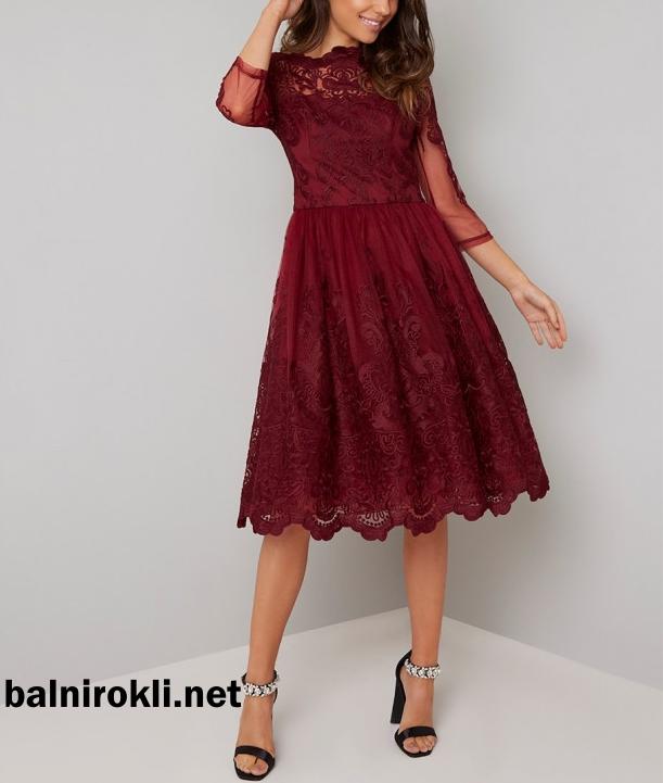 коктейлна тъмночервена рокля дантела ръкави