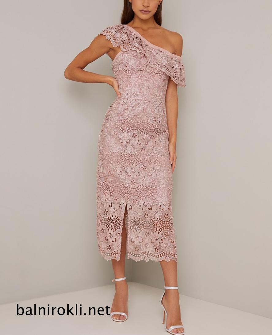 Права дълга дантелена бална рокля едно рамо