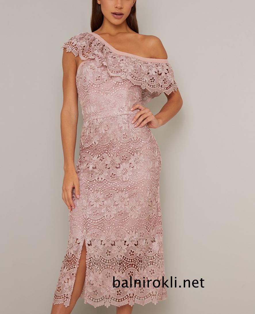 права абитуриентска дантелена рокля