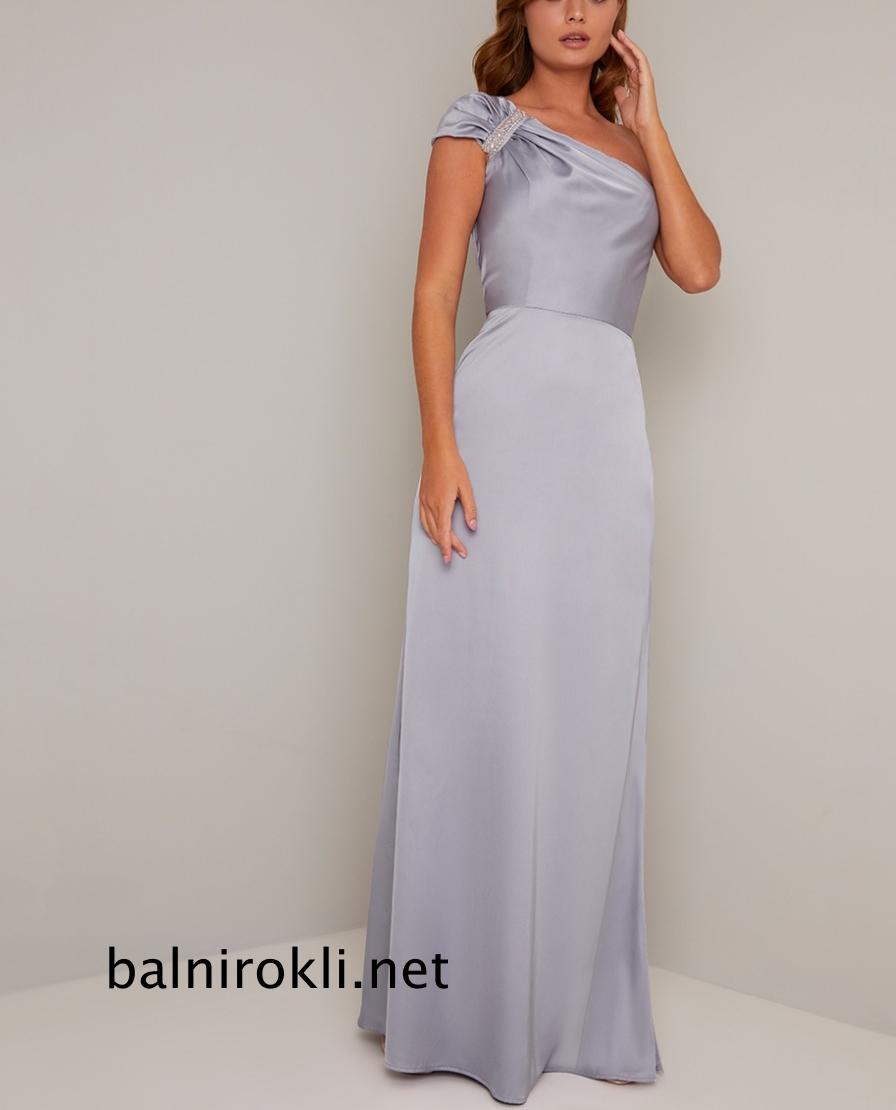 дълга светлосиня бална рокля сатен едно рамо