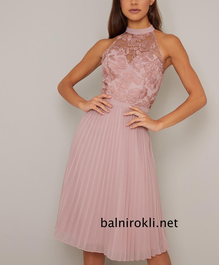 абитуриентска къса розова рокля поличка плисе и бюстие бродерия