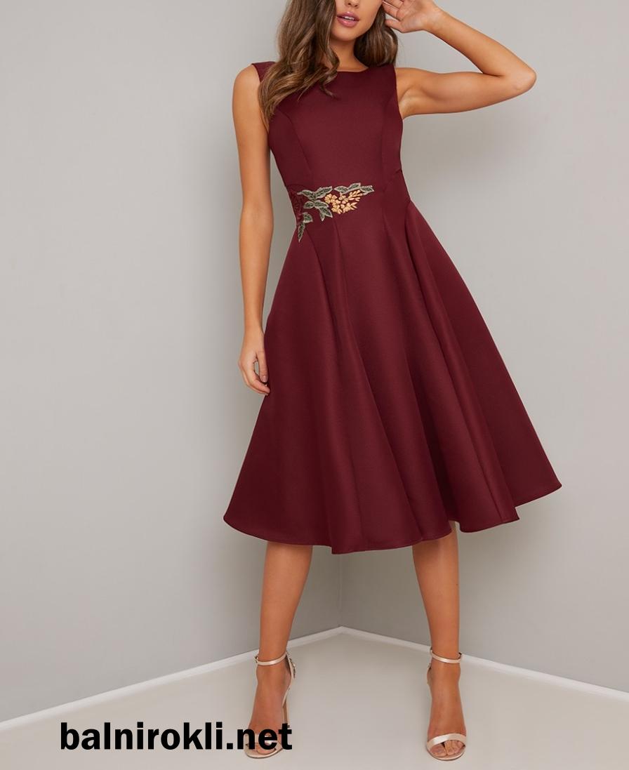 тъмночервена официална рокля сатен