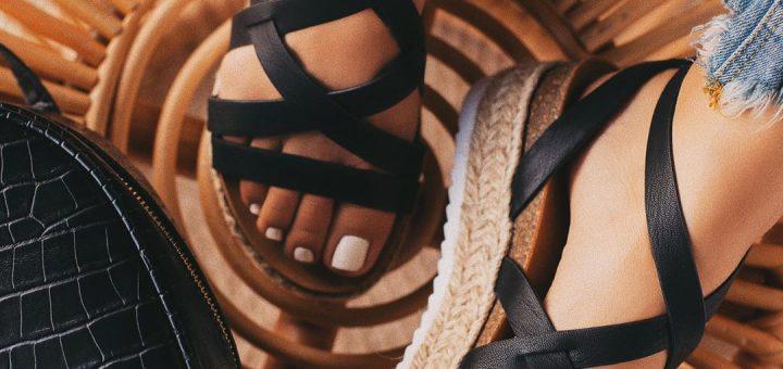 7 Стилни Трика: Как да Удължите Краката без Токчета