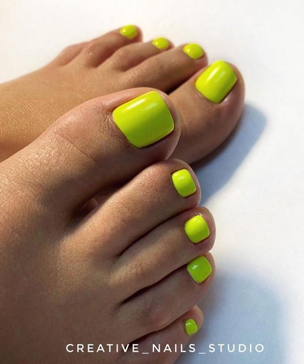Жълт Педикюр за Лятото! Ярки и Нестандартни Идеи