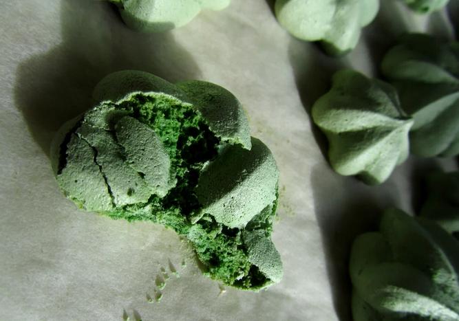 Френски Целувки със Зелен Японски Чай Матча