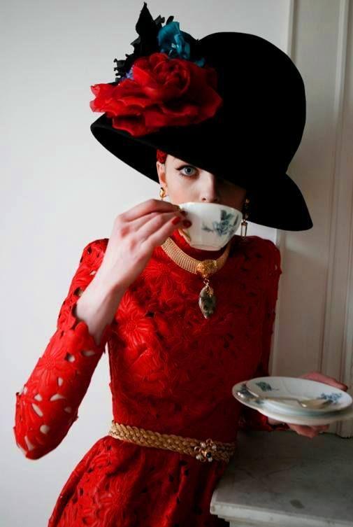 модерна дамска шапка