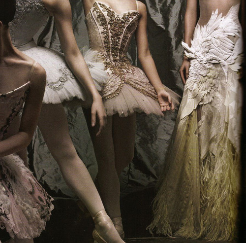 елегантни романтични бални рокли