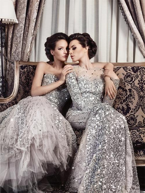 сребристи бални рокли