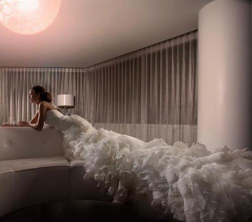 супер дълга бална рокля