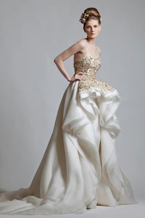 елегантна дълга вечерна рокля цвят шампанско