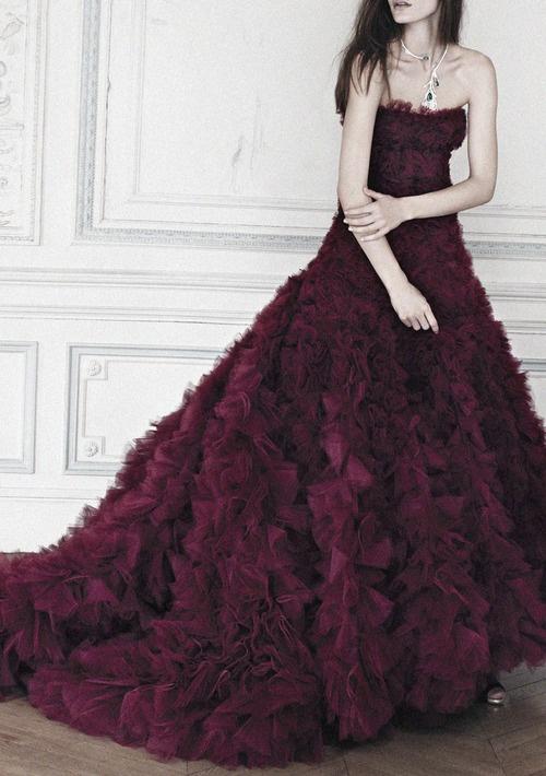 tпищна романтична лилава абитуриентска рокля