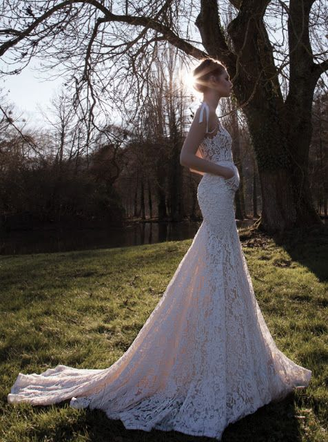 романтична бяла рокля