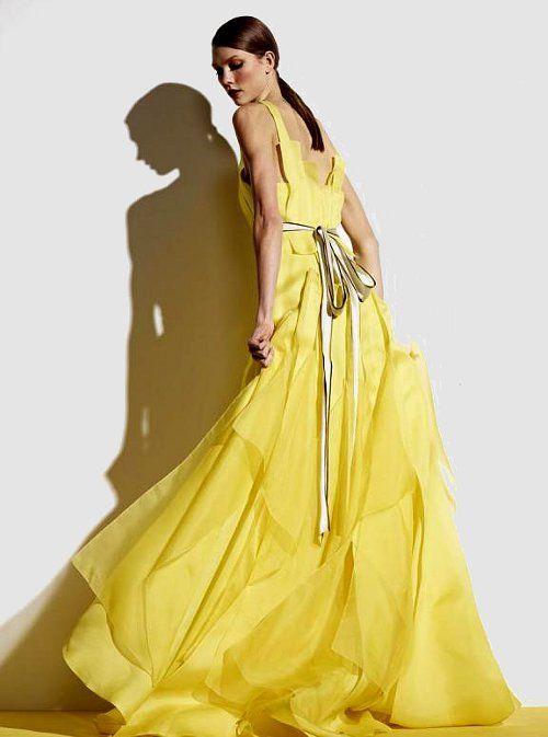 жълта абитуриентска дълга рокля