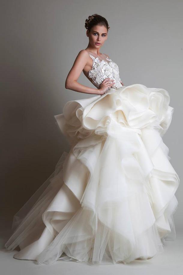бяла дълга официална рокля