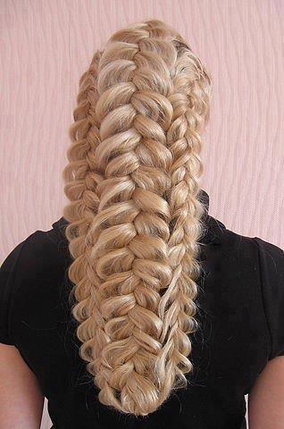 бална прическа за дълга коса