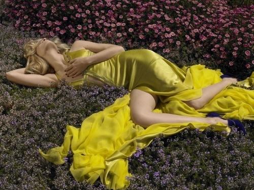 жълта бална рокля сатен и шифон