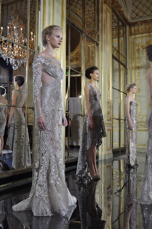 блестящи бални рокли