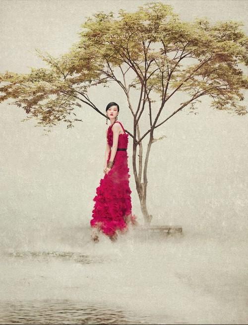 червена бална рокля