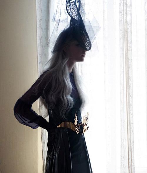 елегантна бална рокля