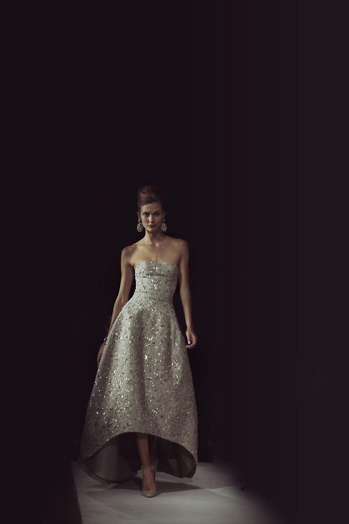 класическа бална рокля
