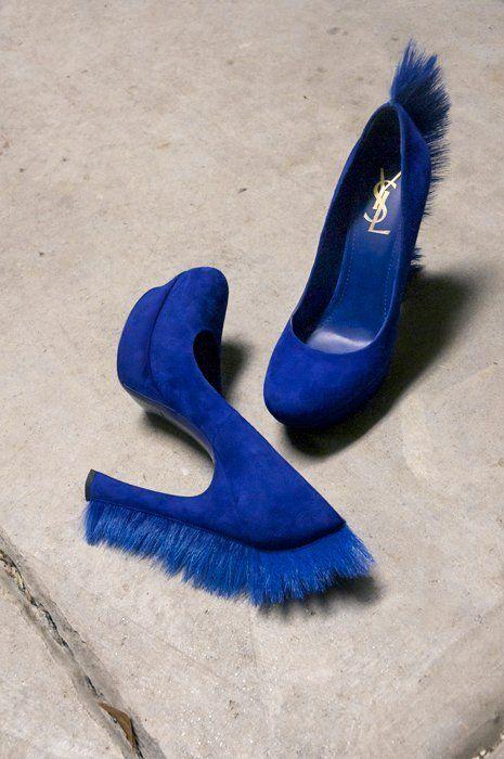 сини обувки за бал