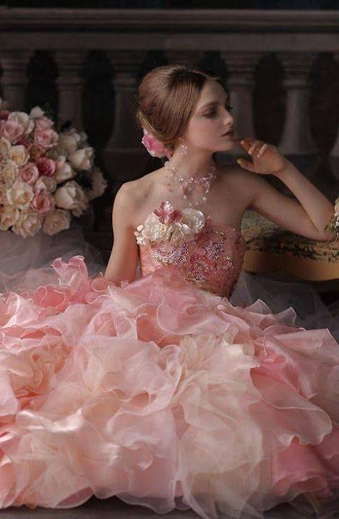 нежна розова рокля